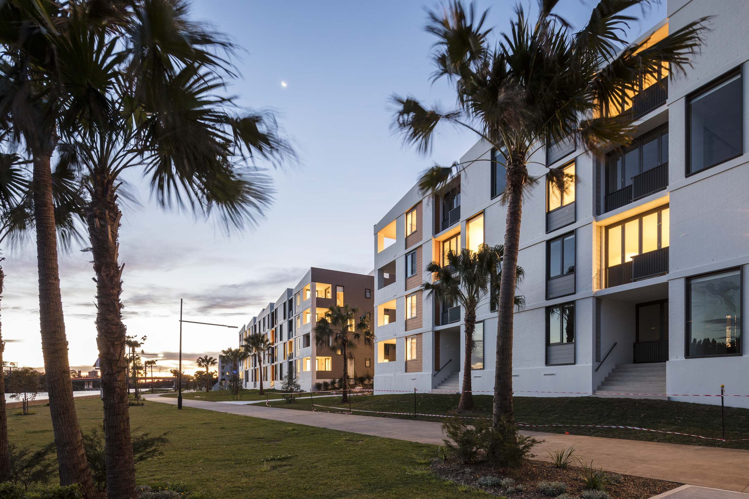 Royal Shores for M Projects