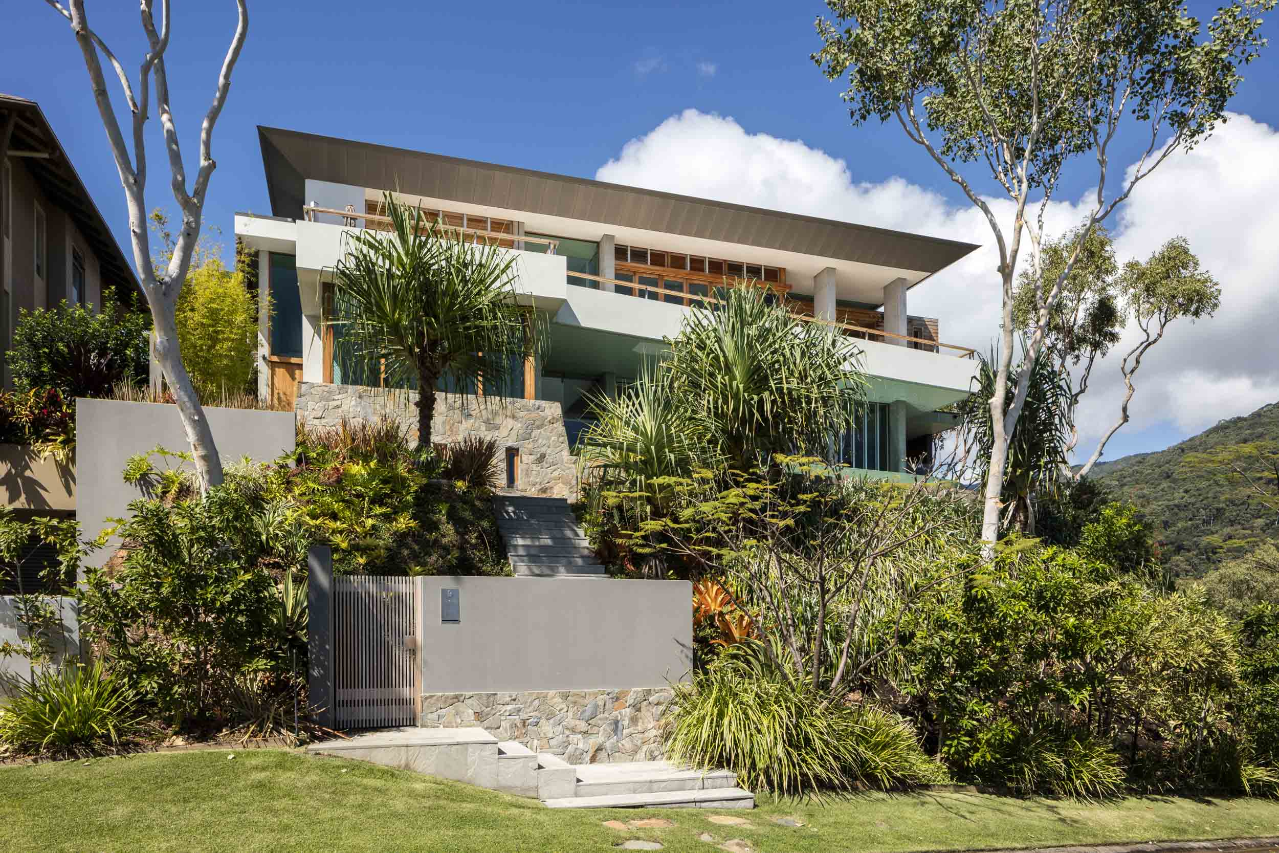 Northern Australia House by Total Project Group and Stephen Collins Interior Design
