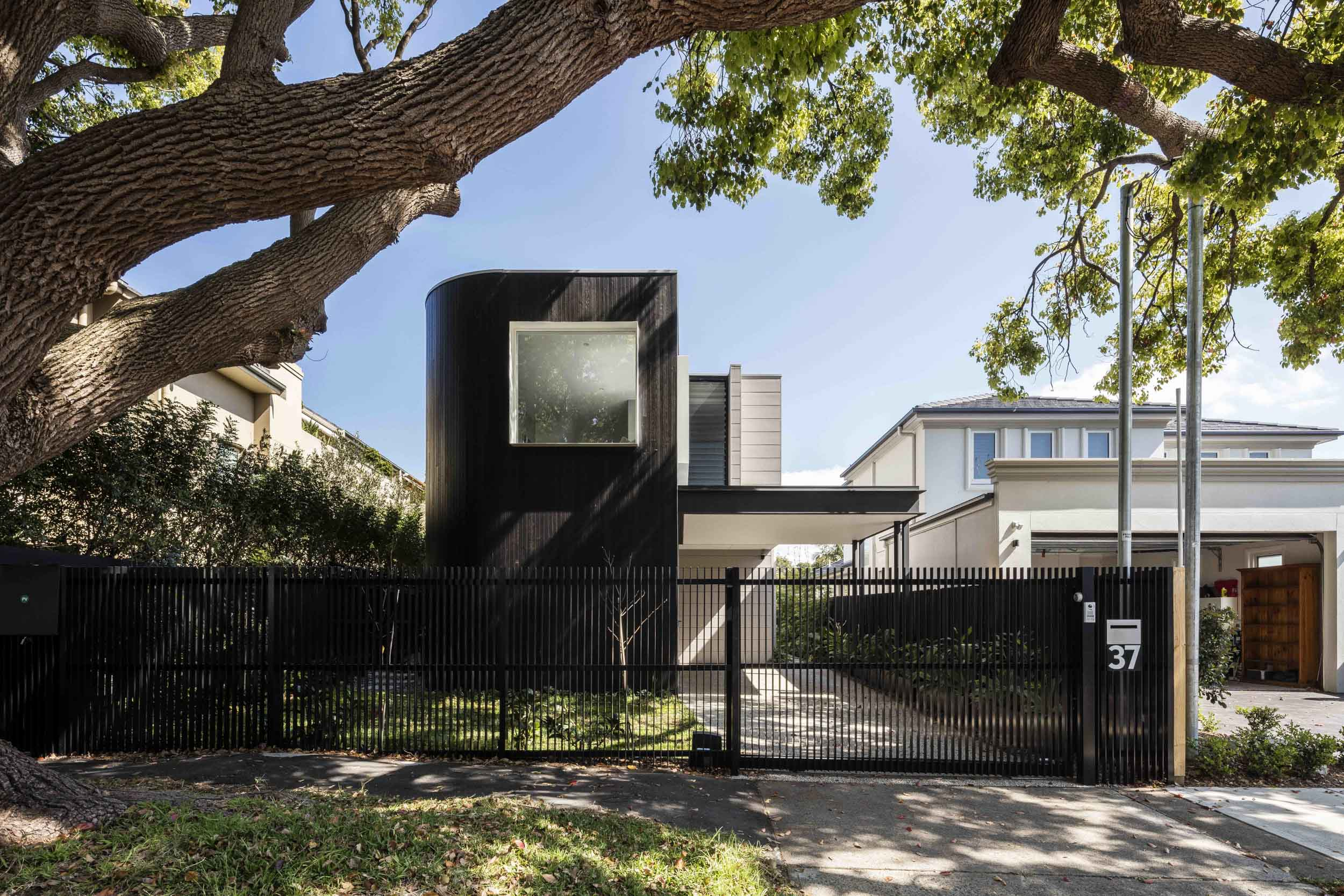 Rose Bay House by Prebuilt & Pleysier Perkins with interiors by The Designory