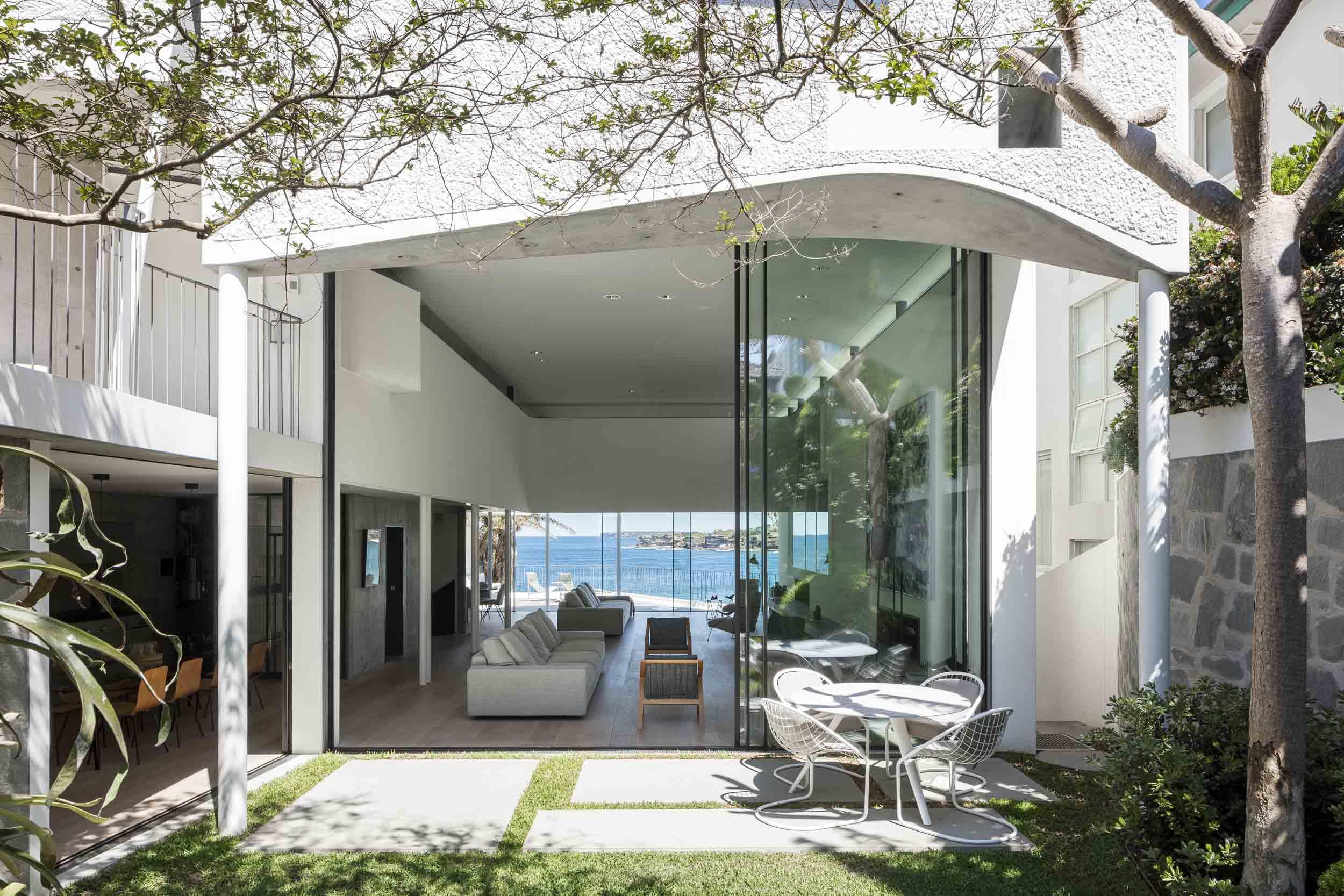 Tamarama House by Durbach Block Jaggers