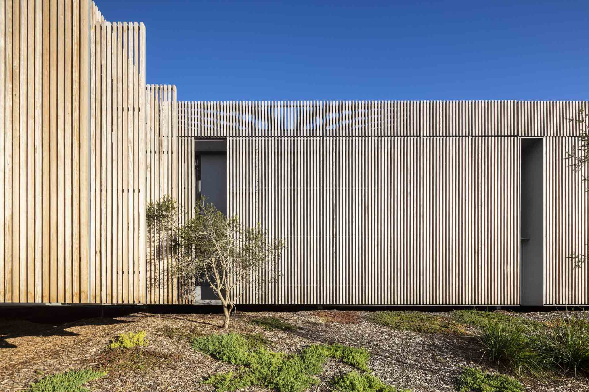 House On The Coast by Sean Godsell Architects