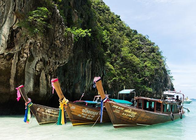 phi-phi-island-tour-1497801_640 copy.jpg