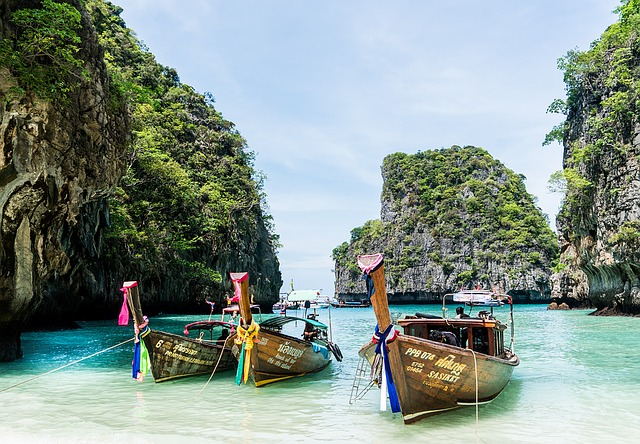 phi phi islands cheap flights to phuket.jpg