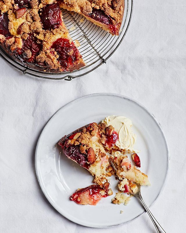 Yummy plumy goodness for a midweek morning!  Recipe & food by gorgeous @indiawm props by lovely @maxwhrobinson