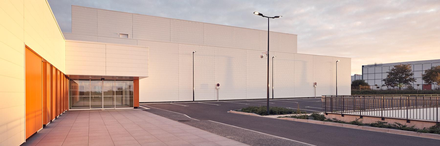 Centre Hadronthérapie à Caen par Enia architectes