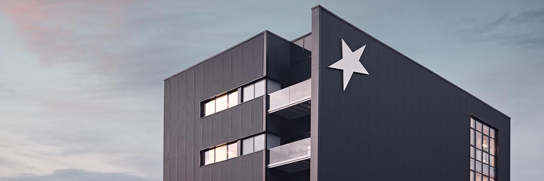 Extension datacenter Celeste à Champs sur Marne par Enia architectes