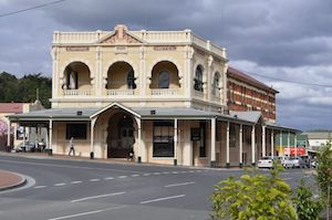 Empire Hotel Strahan