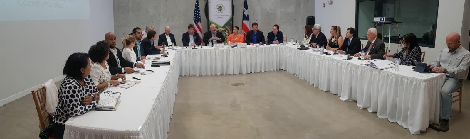 Conversatorio organizado por la Comisión de Asuntos del Consumidor, Banca y Seguros de la Cámara de Representantes