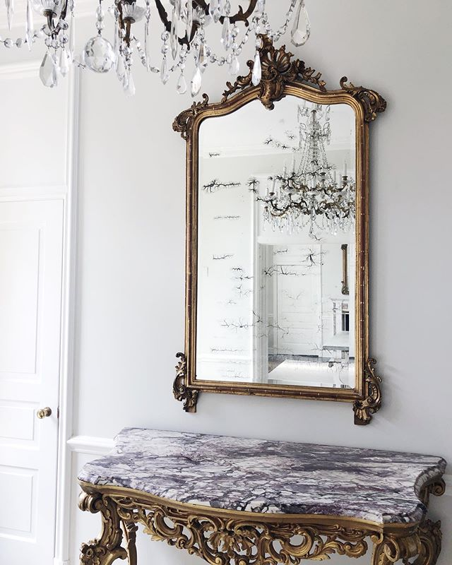 ✨ The first few layers of an install in this beautiful historical home coming together. #laurelpowelldesigns  #architecture + #interiors (a few of my favorite things, antiques, natural stone, crystal, and this special mirror I found from the 1700s) ✨
