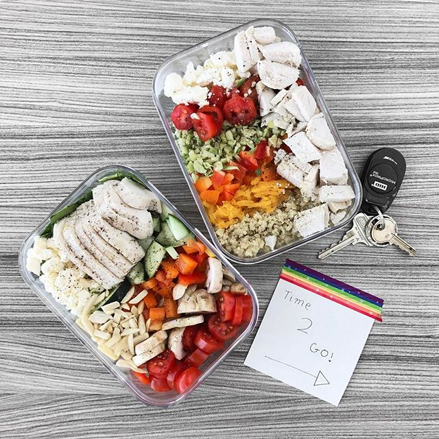 """Lunch on the go!! ---  this week is already going too fast... I'm trying to revamp my website so it has a forum for us to share our sugar-free struggle-bus moments, accomplishments, and recipes with each other. I feel like the only way I can get through this task ( that I'm under qualified for, I'm no web-developer 🙈 ) is with the help of these """"I'm going Mach 5 with my pants on fire"""" ON-THE-GO salads #mealprep is saving my life right now 🙌🏻 [ btw, the video of me making these to-go salads is just a few posts before this 😜]"""
