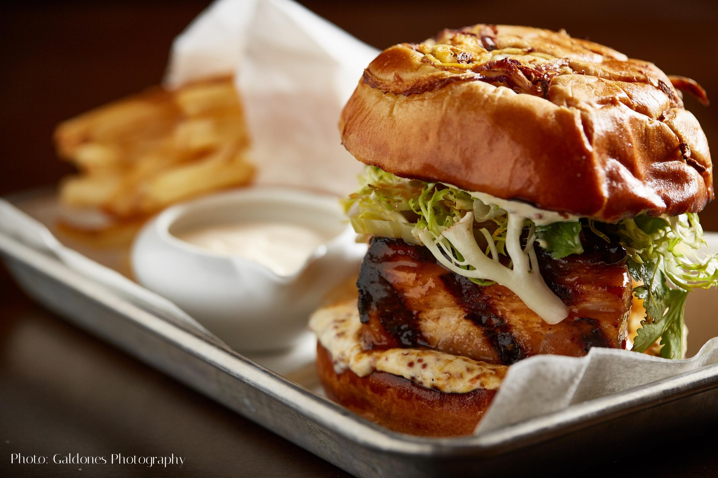 Beacon_Dinner_Pork_Sandwich_051216_HG.jpg