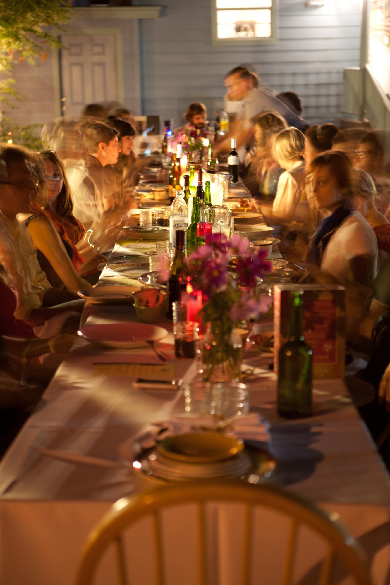 communal-dinig-austin-teas.jpg