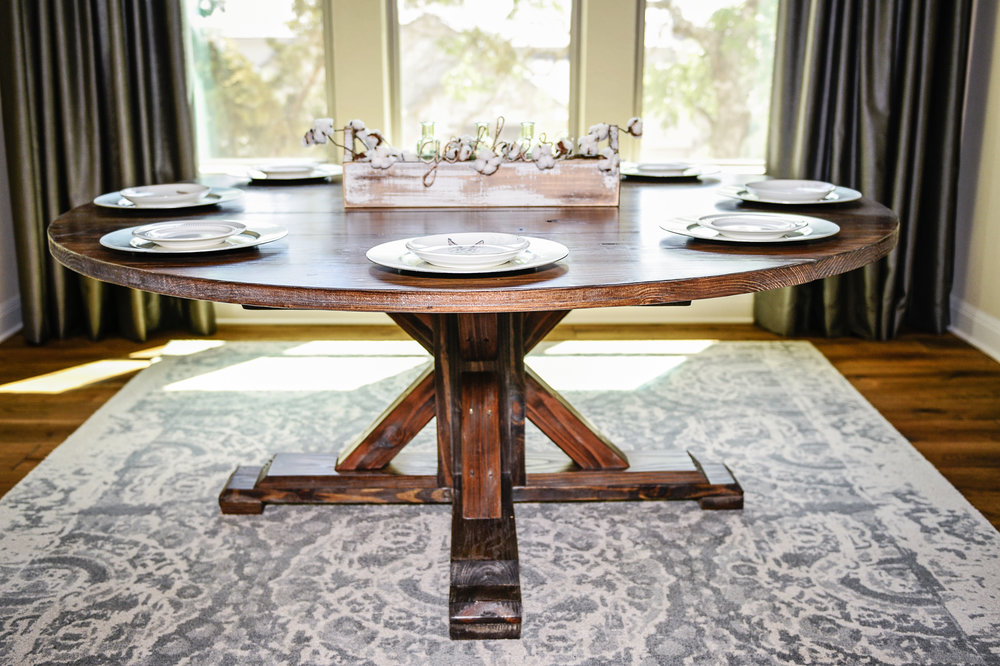 Custom Round Table The Gathering, Round Gathering Table