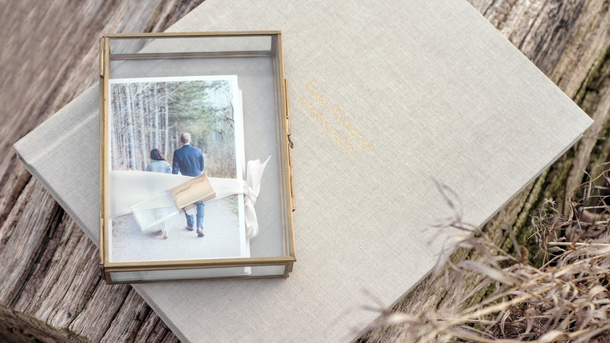5x7 Heirloom Glass Box with Prints & Usb + 11x14 Luxurious Photo Album