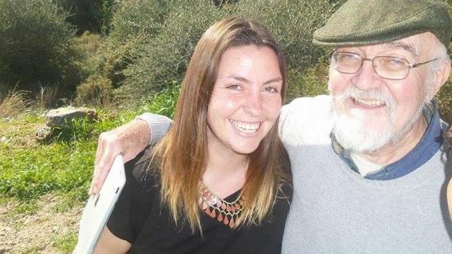 Advocates Abroad volunteers Bill Gorman and Jenny Holligan working in Samos, Greece.