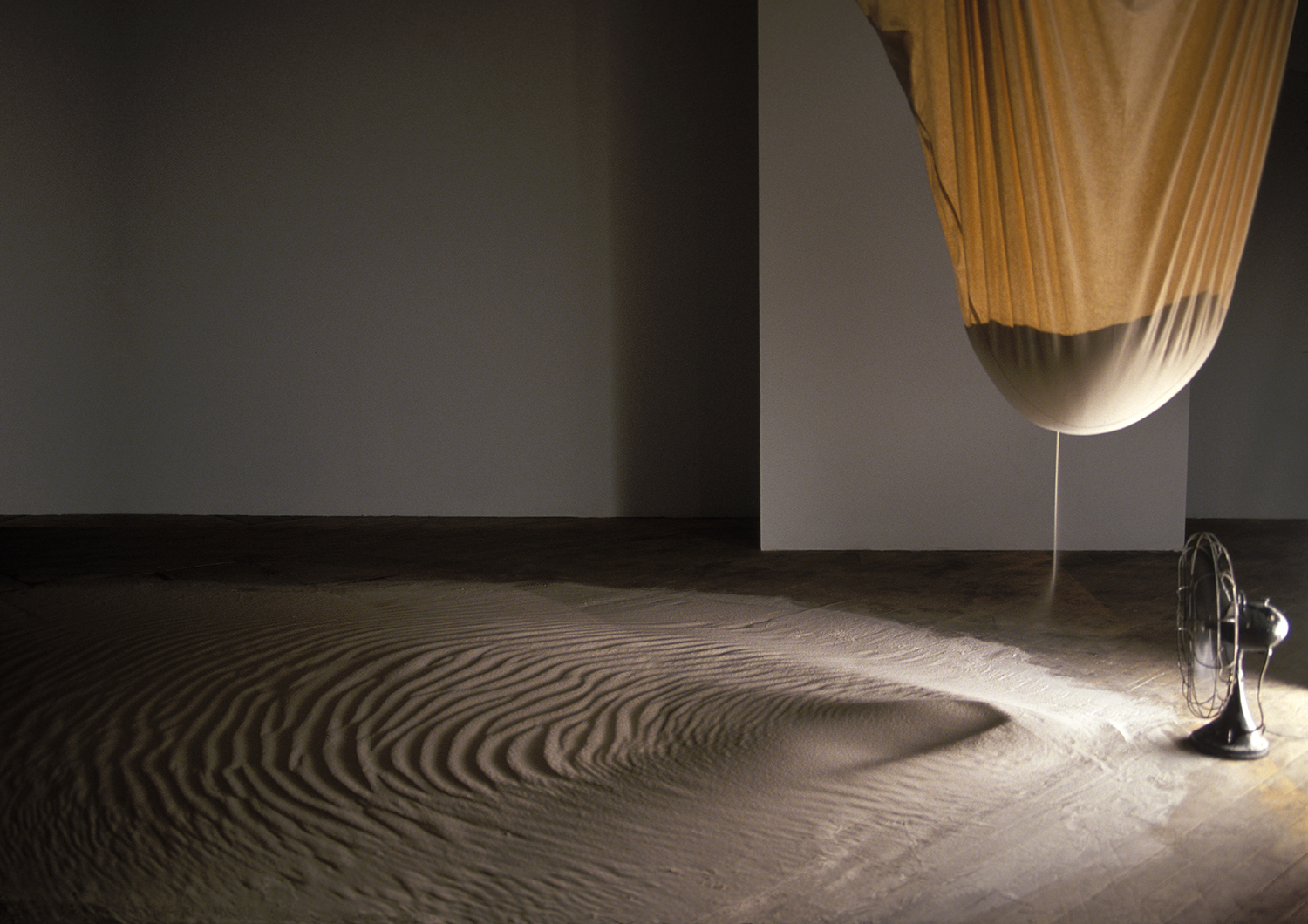 Drift, fan, bag, 1,000 lbs of sand, 2000