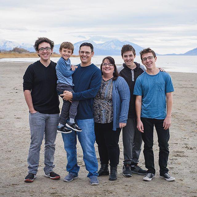 The Bartlett Family. 😁 . . . . . . . . . #jeffreytaylorphoto#utahphotographer #utahphotography#utahfamilyphotographer #utahfamilyphotography #familylifestyle #family #lifestyle #photo #photos #spanishfork #spanishforkphotographer #utahcountyphotography