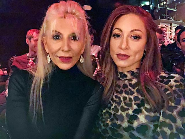 💃🏻💃🏻 Celebrating my mom's birthday today! Did you know she is a former pro-golfer & bodybuilder? Lot's of 🌶💥💪🏼packed into such a tiny body! I'm super excited for our year in NYC together & for the world to know your light! 👯♀️I love you, Mami!