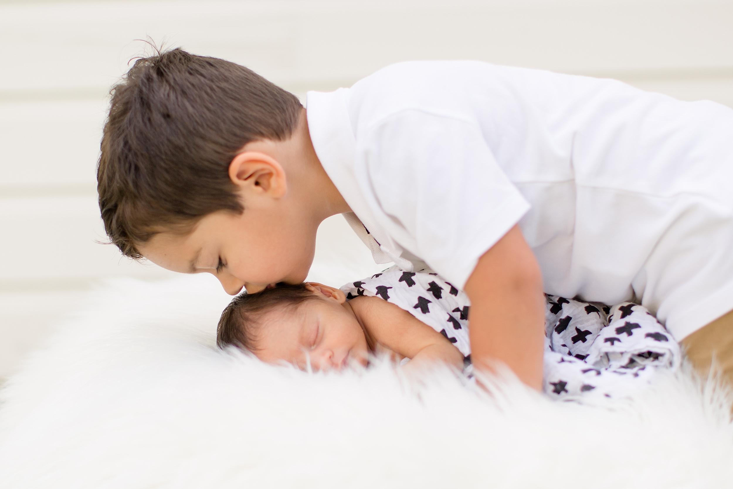 Landon-Schneider-Photography-Newborn-Session-Texas_0072.jpg
