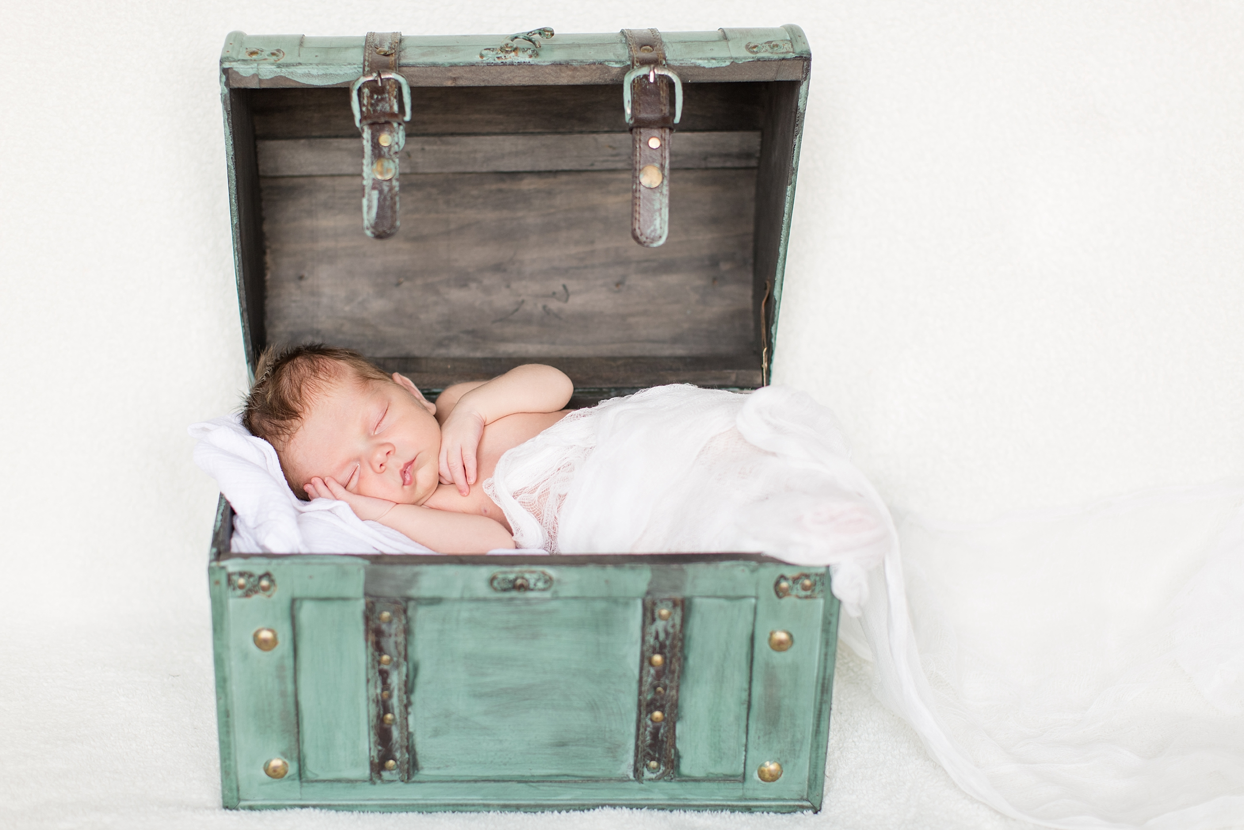 Landon-Schneider-Photography-Newborn-Session-Texas_0101.jpg