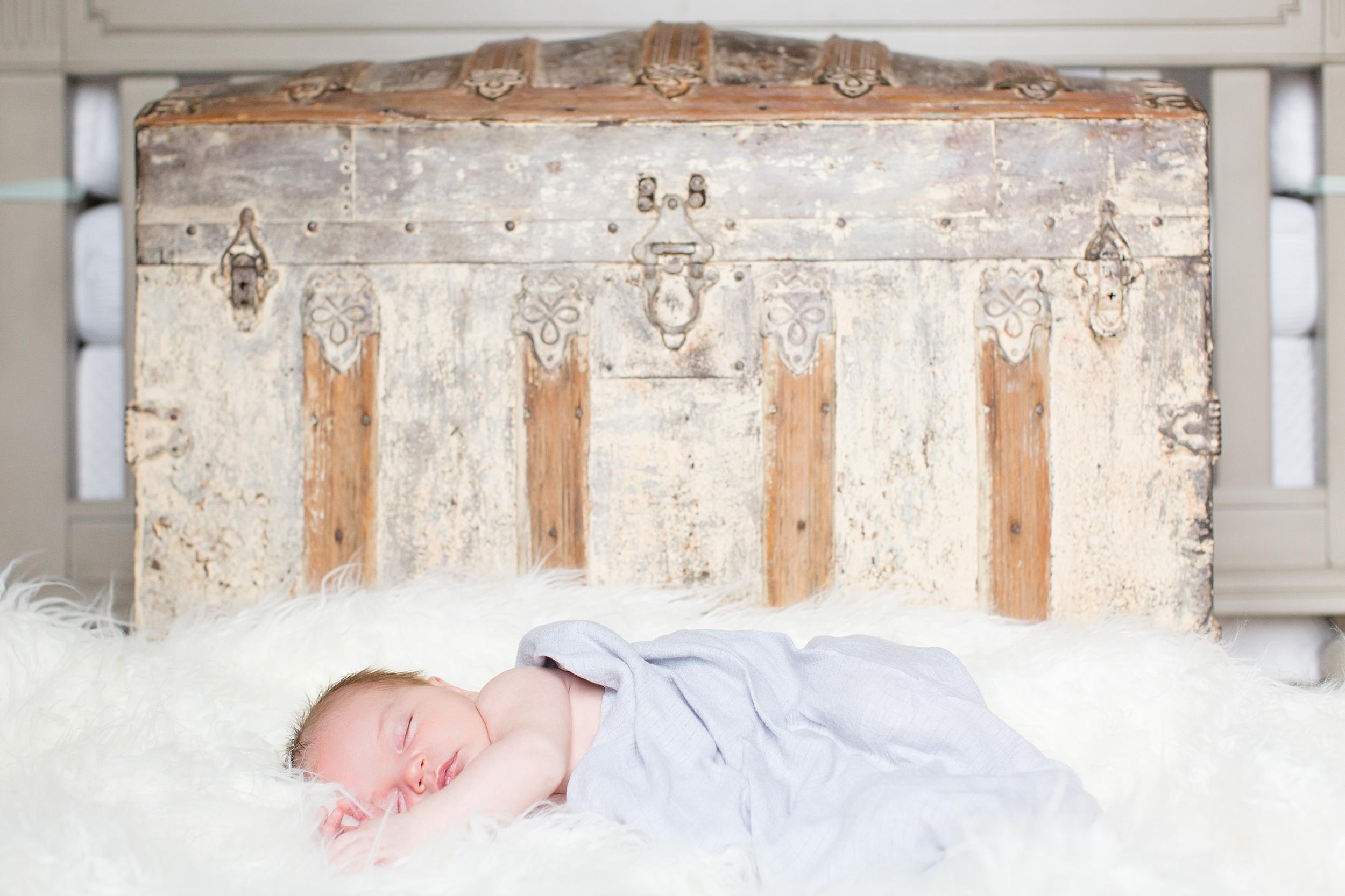 Landon-Schneider-Photography-Liverance-Newborn-Session-McKinney-Texas_0030.jpg
