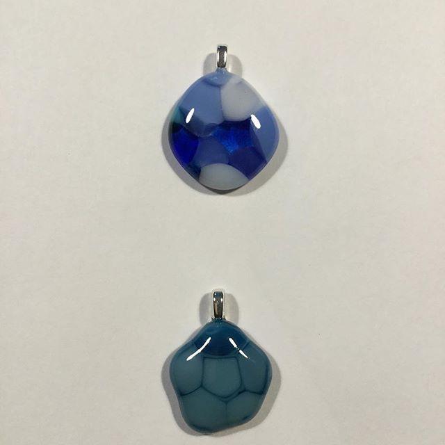 More pendant fun #fusedglassjewlery #chelsea #maureenfehrglass