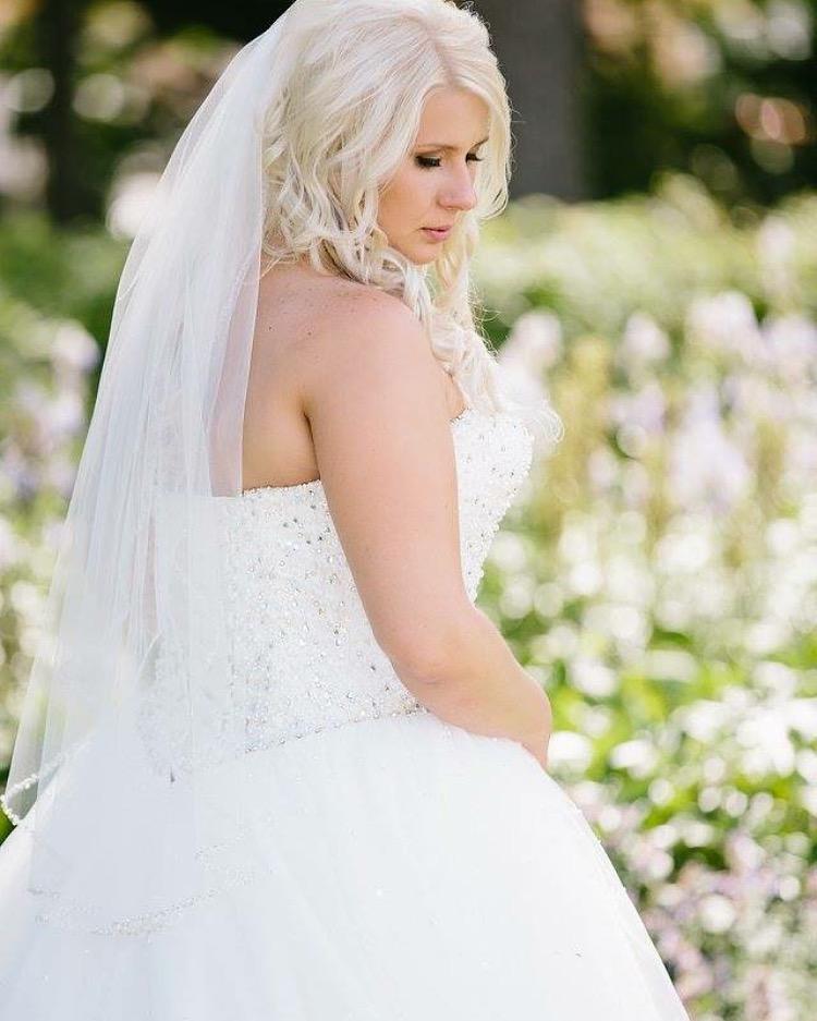 Bride: Stacey  Photo: Dwayne Larson