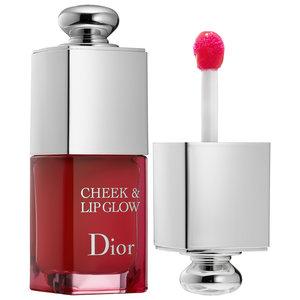 De Cheek & Lipglow van DIOR kan je zowel op je kaken als op je lippen gebruiken en geeft een prachtig subtiel effect.