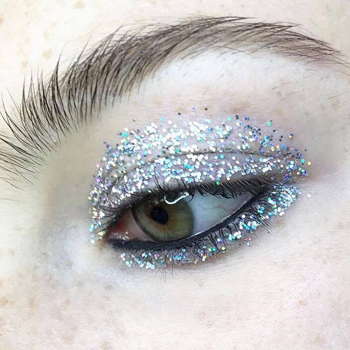 The 3 key products?3D-glitters, mixing medium and fluidline eyeliner -