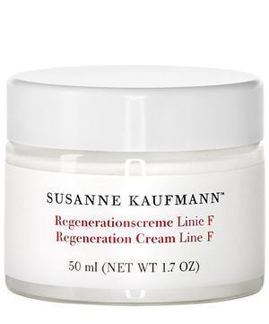 Susanne Kaufmann - Night Cream Line T met kalmerende en herstellende ingrediënten als kamille, salie en sint-janskruid.