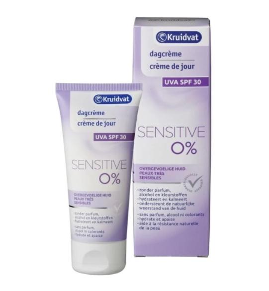 Kruidvat Sensitive SPF 30 Dagcrème:   Deze milde dagcrème ondersteunt de natuurlijke weerstand van je huid en beschermt haar tegen irritaties
