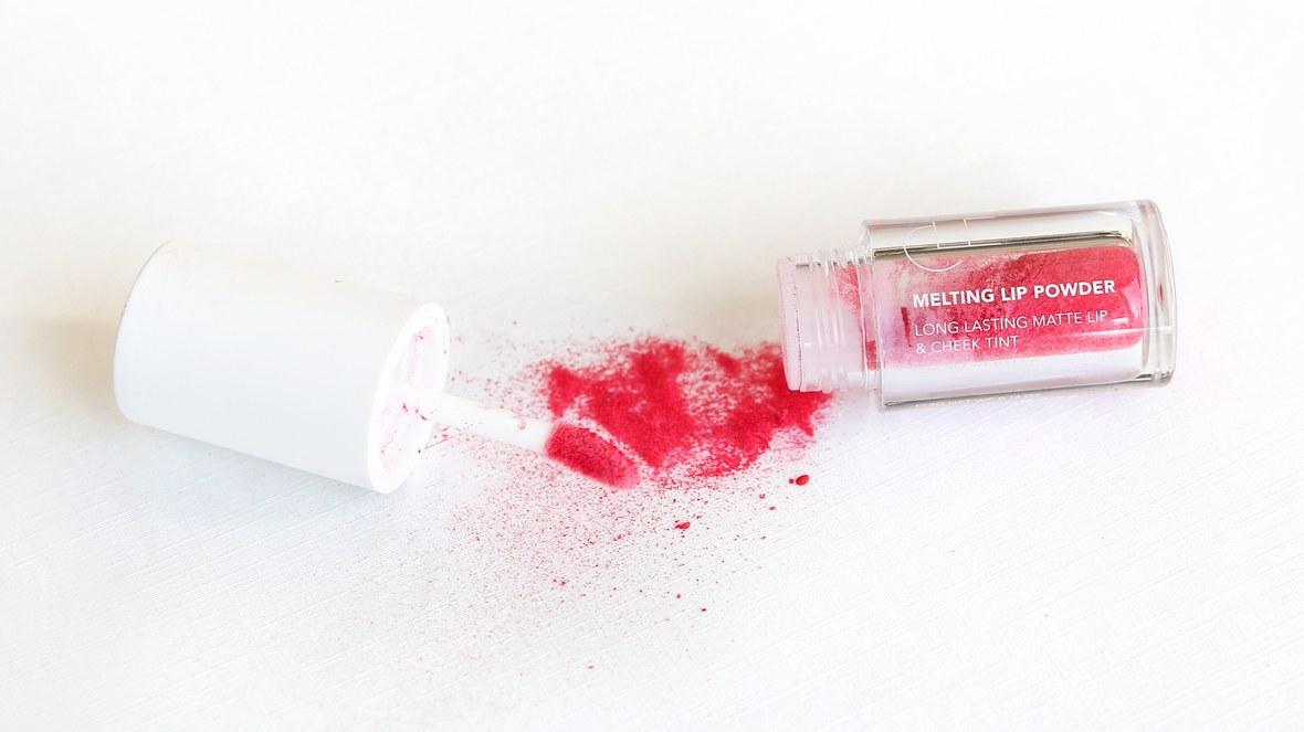 cle-melting-lip-powder.jpg