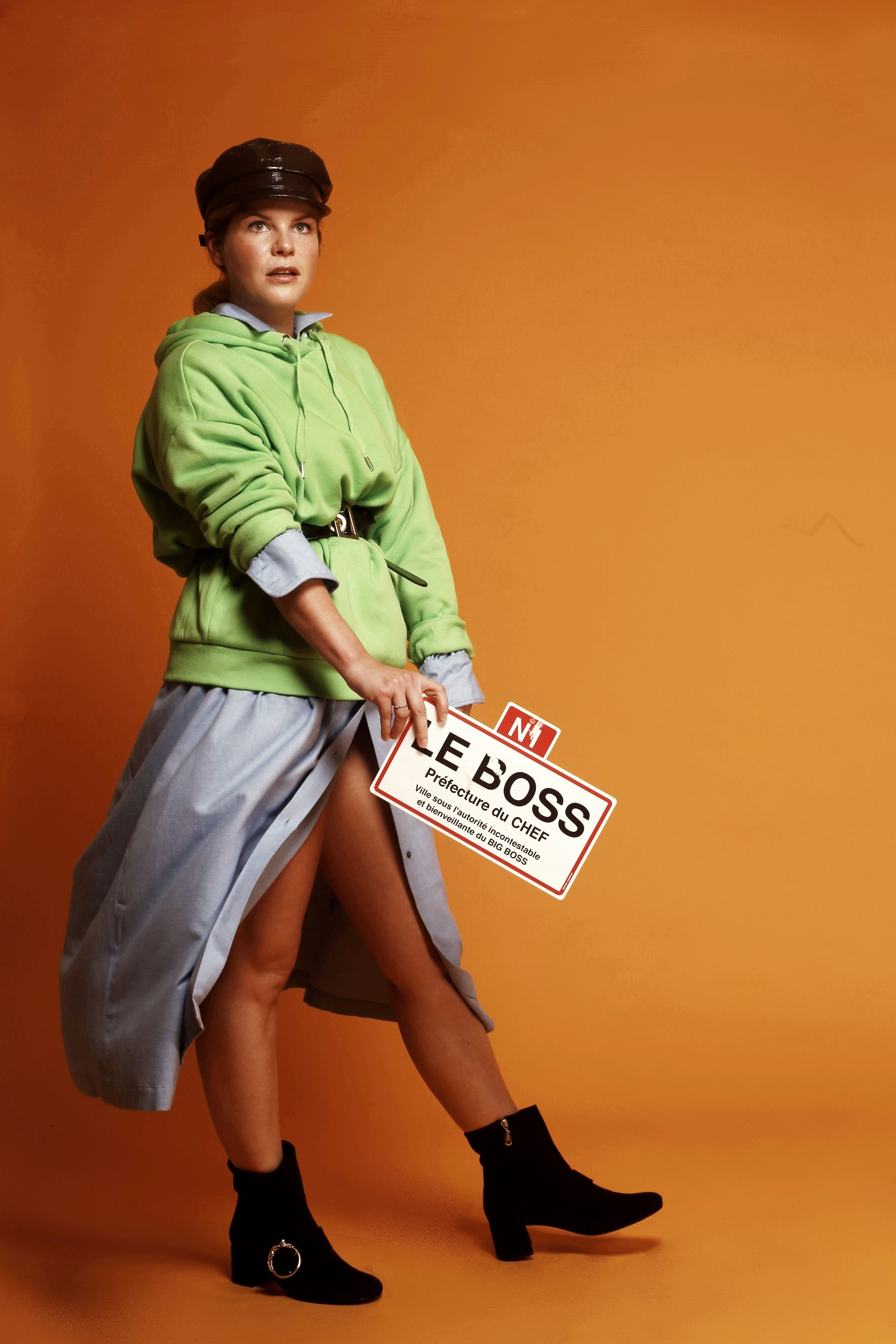 Jurk: Indress via Graanmarkt 13  Pull: Monki  Pet: Monki  Boots: Fabienne Chapot