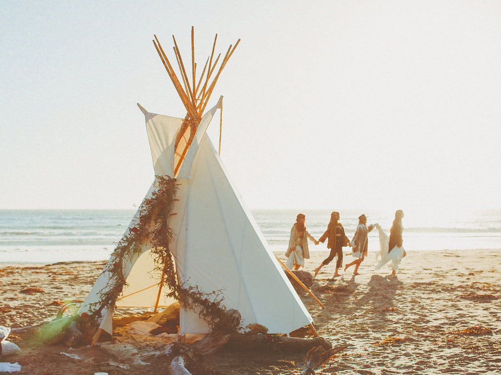The Sioux tipis are 15 feet tall and 12 feet in diameter. The tipis can be used for photo shoots, lounges, or even an overnight stay complete with a raised queen bed and interior furnishings.