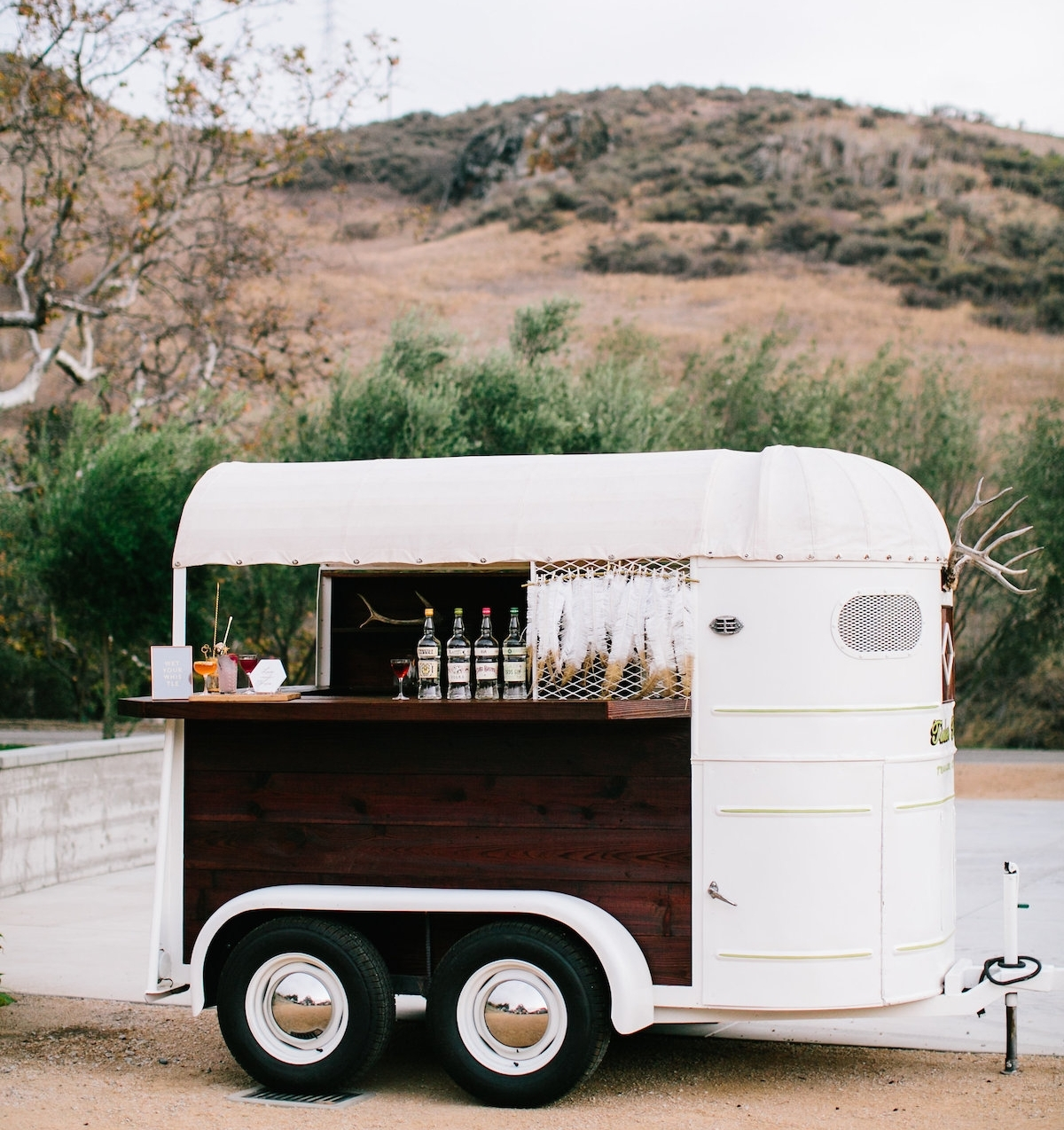 tinker-tin-trailer-co-1948-trail-king-horse-trailer-bar-2