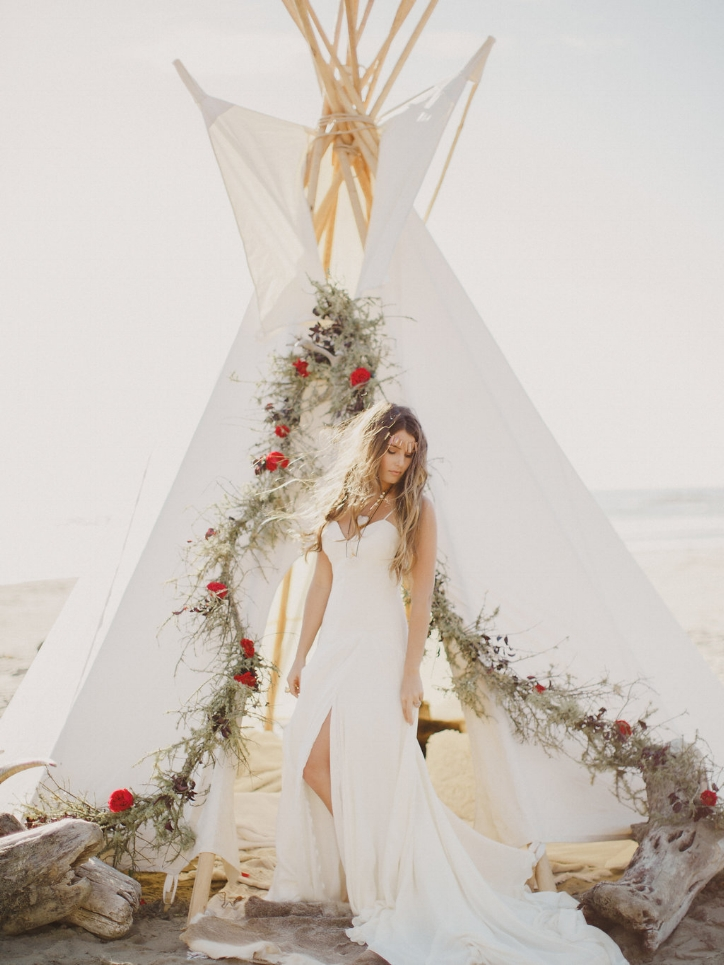 A beautiful Bohemian inspired wedding and bride. Photo by Kelsea Holder