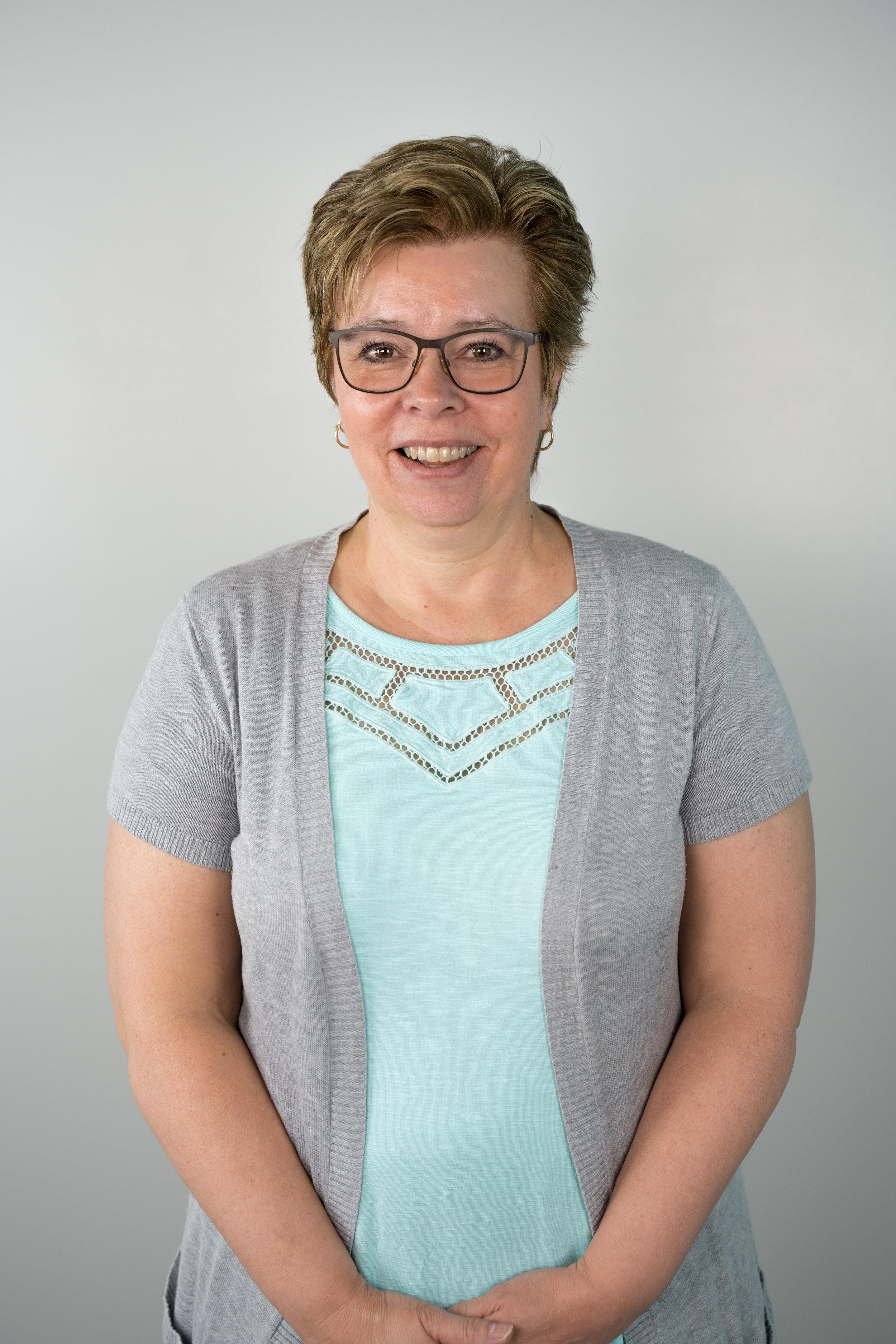 Helen gagnon - Receptionisthelen@bethelsarnia.com
