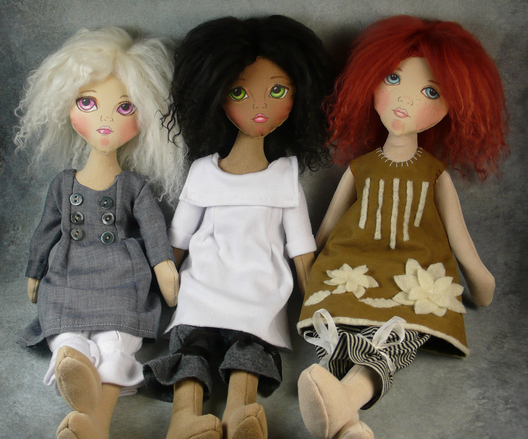 Little cloth girls  pattern  (includes dolls, wigs and clothing)
