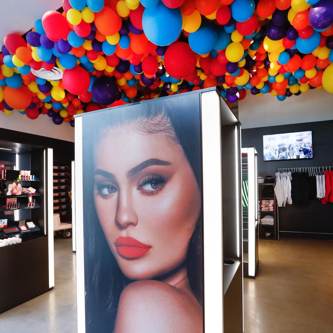 Kylie Cosmetics Pop Up