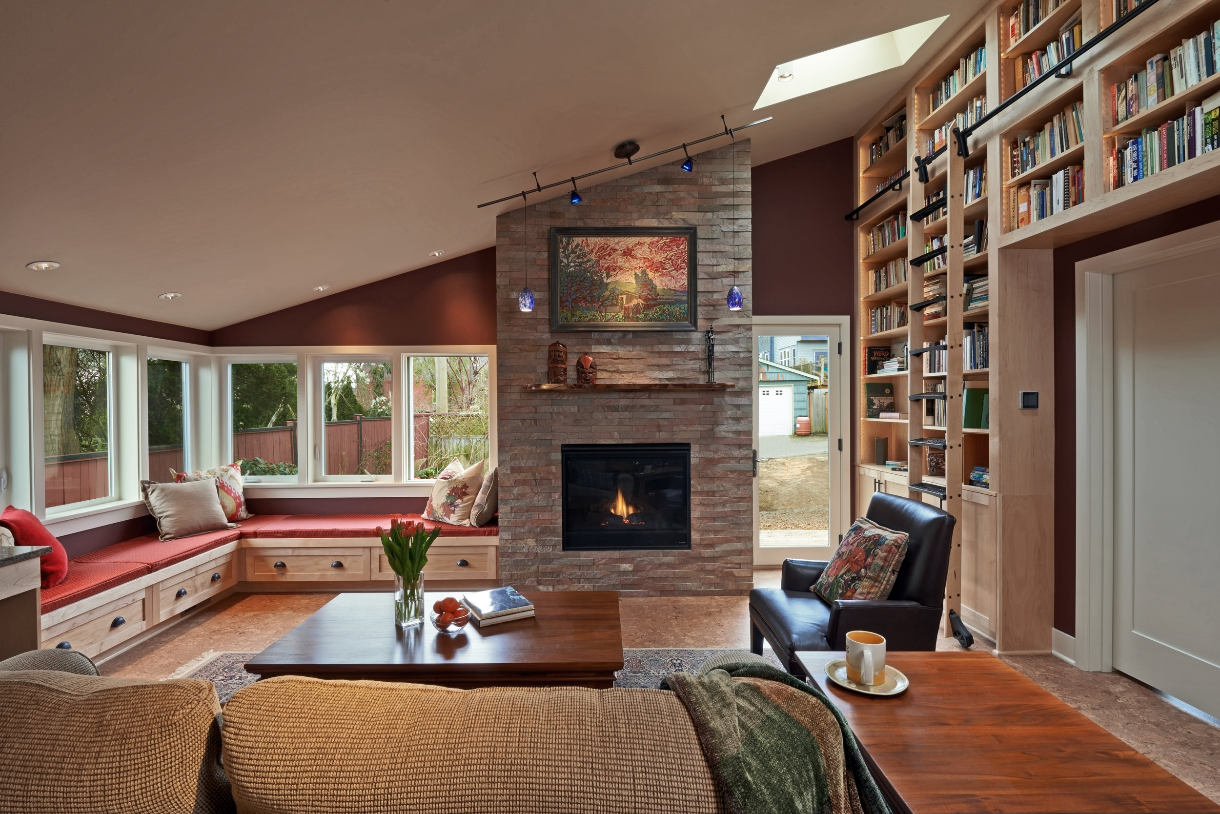 laurie Robbins - family room library.jpg
