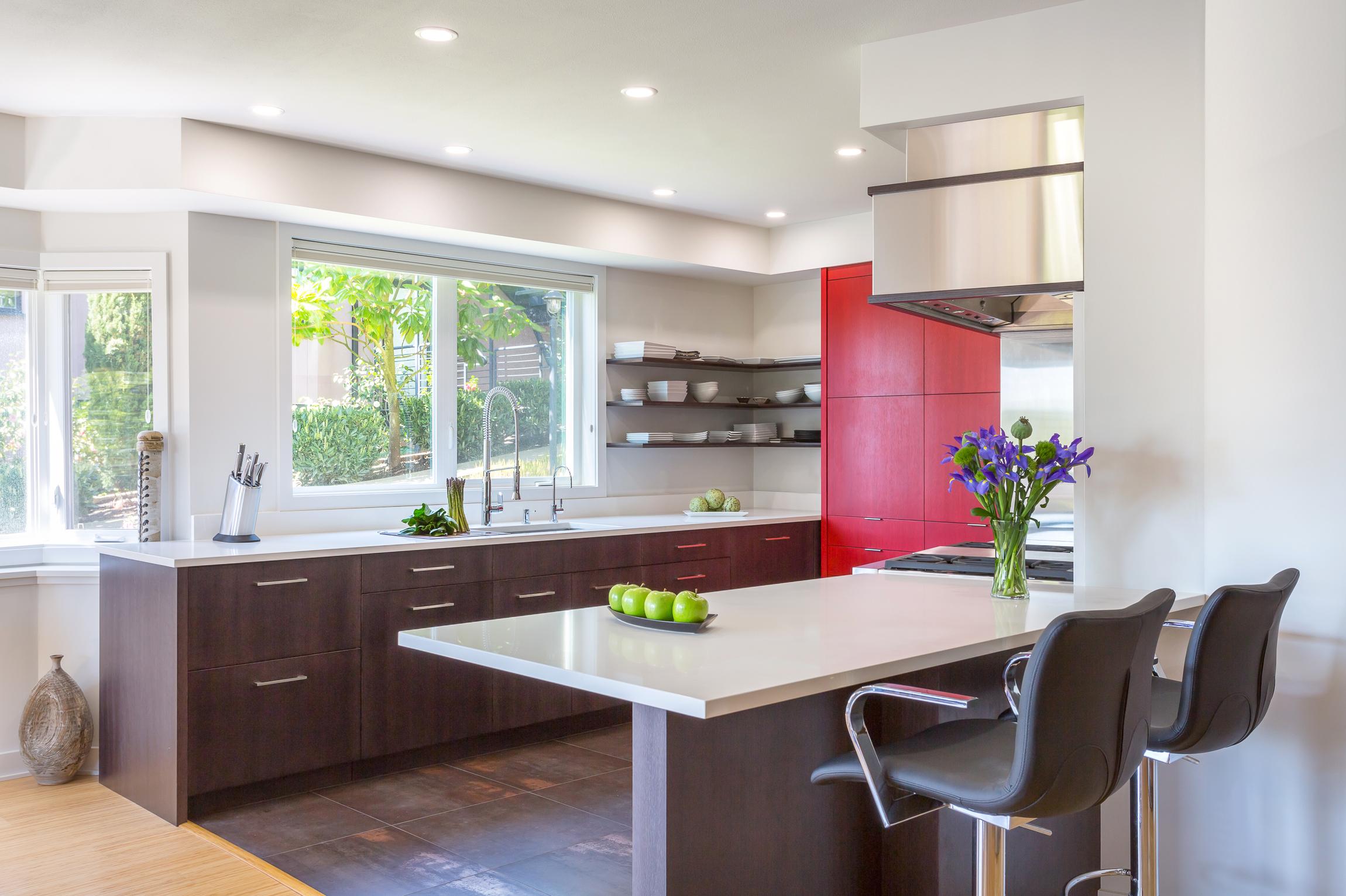 BRISTOL Kirkland Condo Kitchen 2.jpg