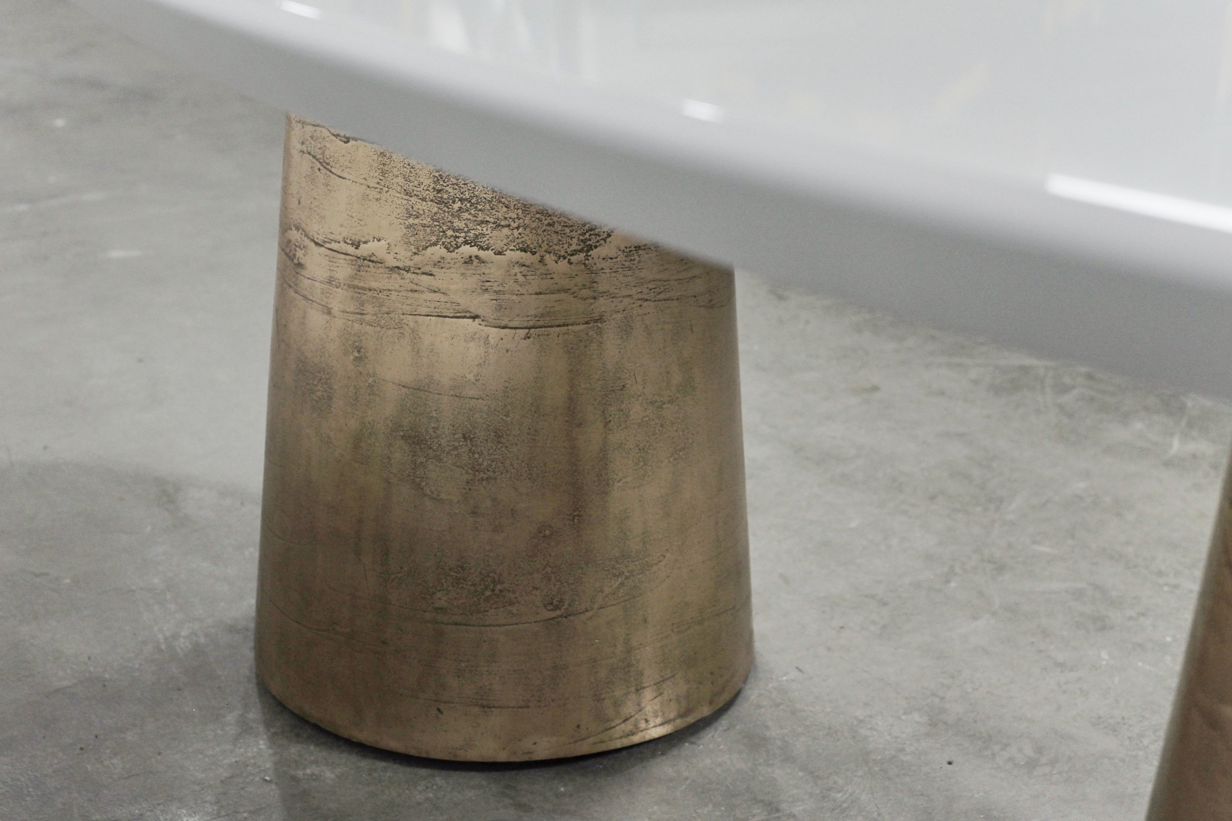 Benino Table