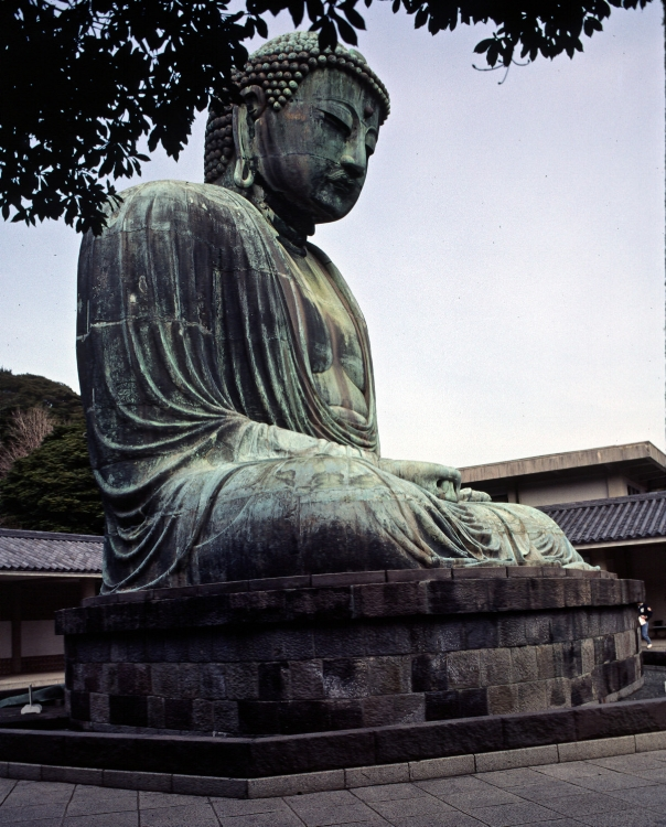 Great bronze statue of Amida Buddha at Kotokuin Temple in Kamakura; photo by Fg2 via Wikimedia Commons.