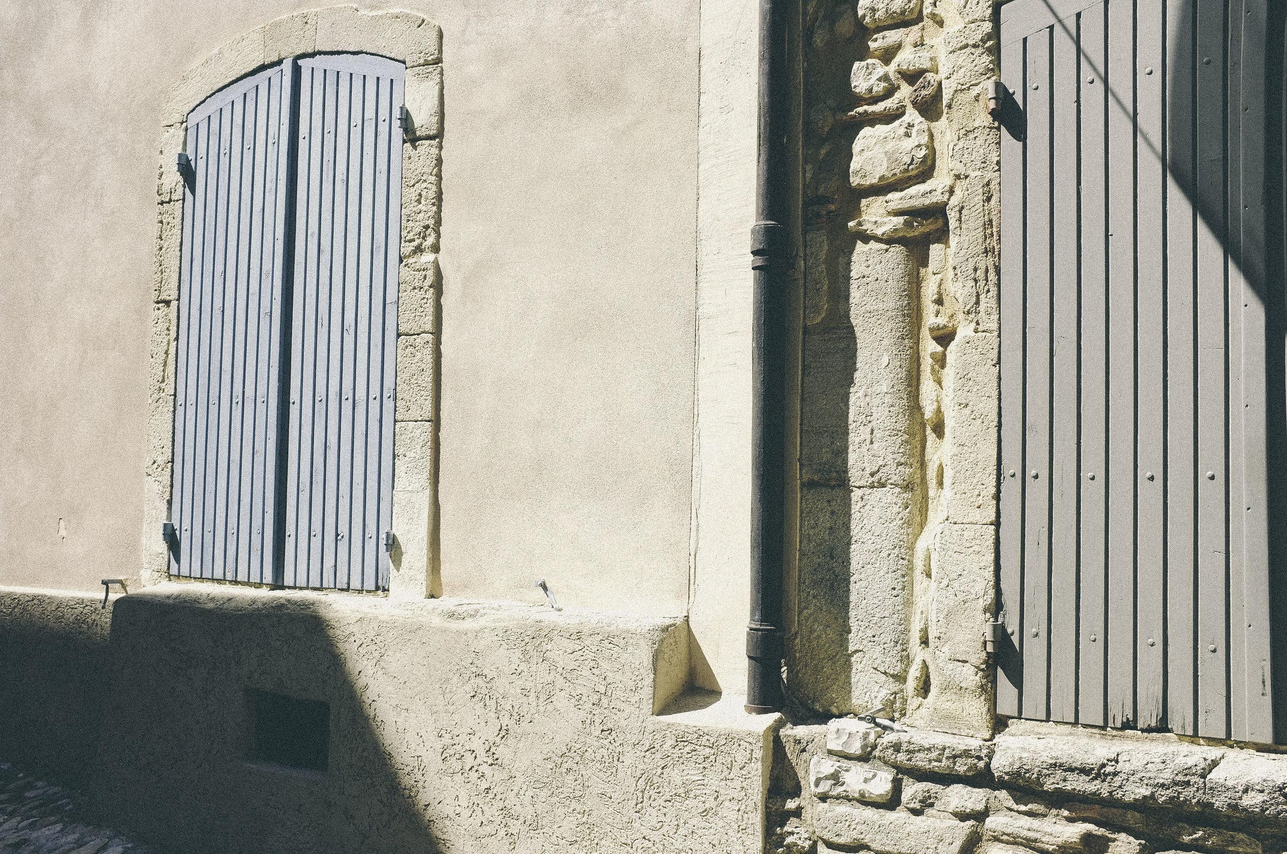dérrive travel - vaison-la-romaine, provence www.derrive.com