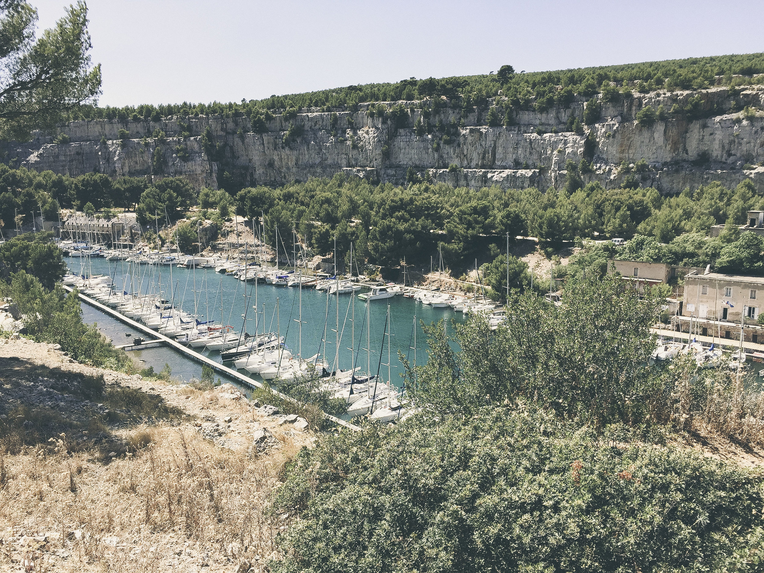 dèrrive travel - a day in cassis, france. where to go and what to do. www.derrive.com