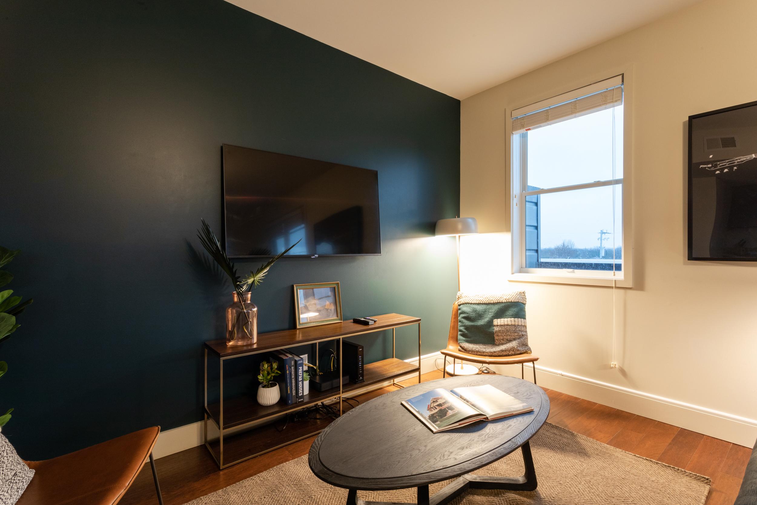 12 South Airbnb-80.jpg