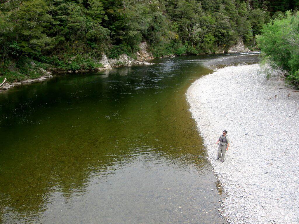 14 Noveber 2010 club trip wangapeka river 011.JPG