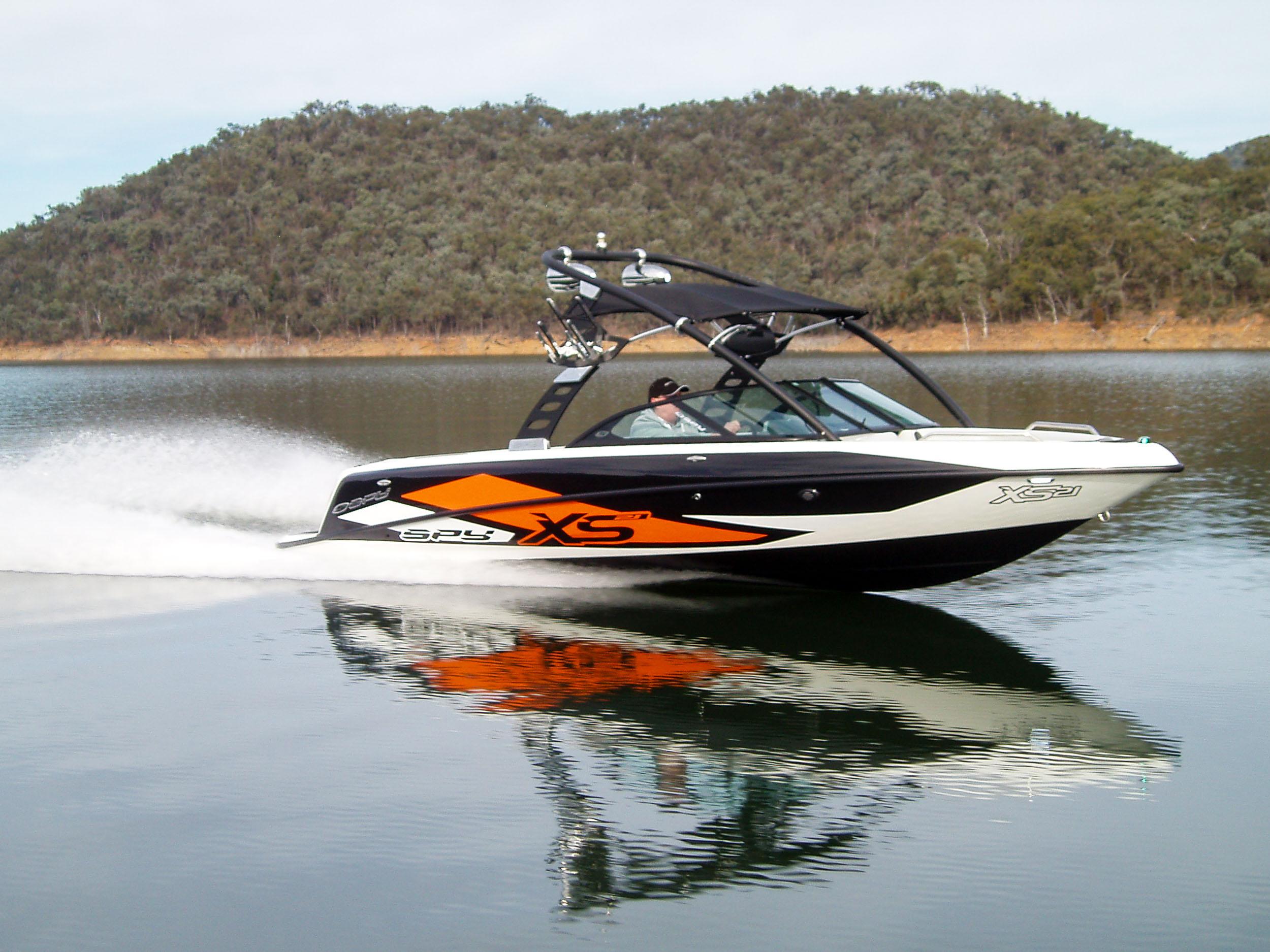 Spy_Boats_XS21-6.jpg