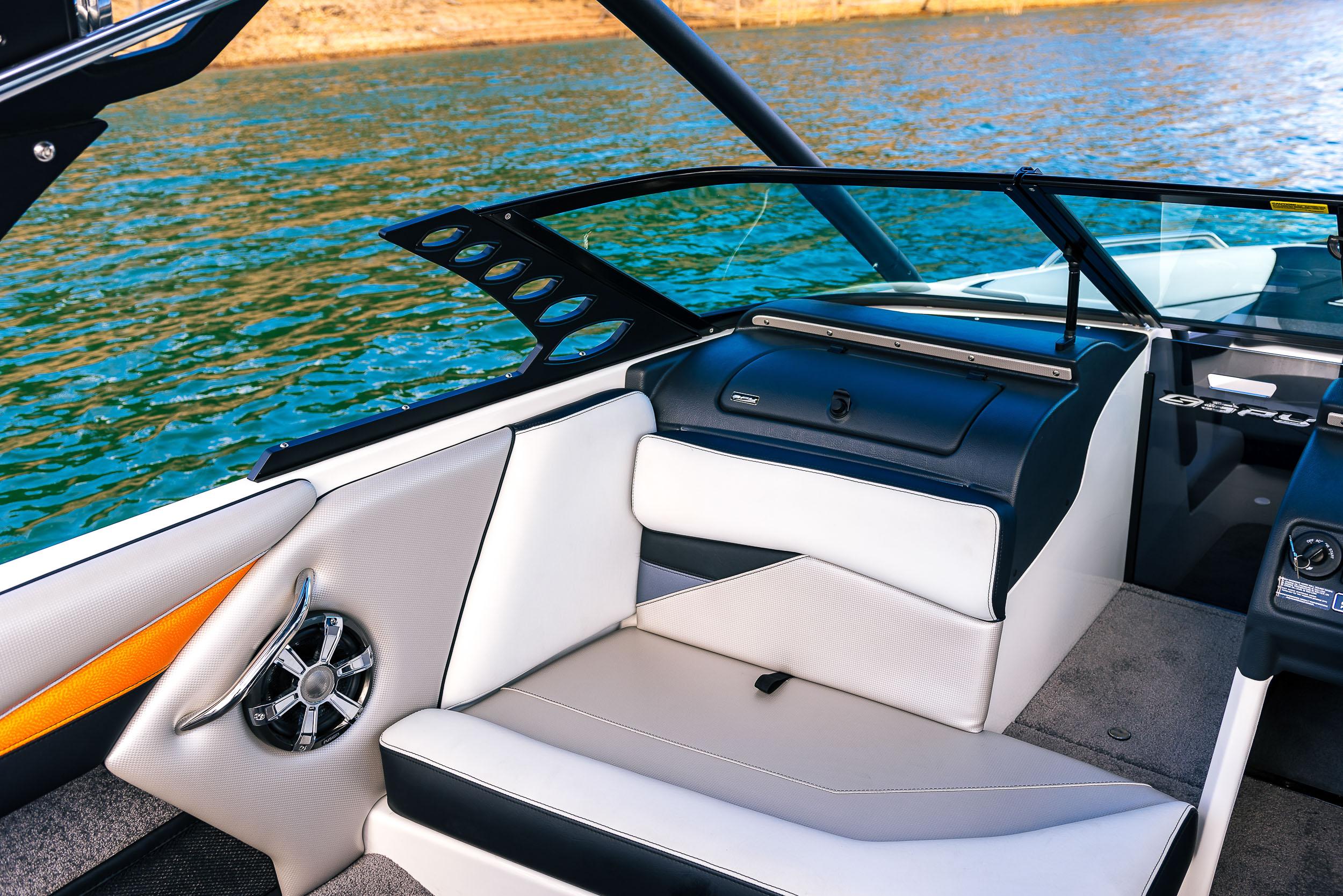 Spy_Boats_XS21-24.jpg