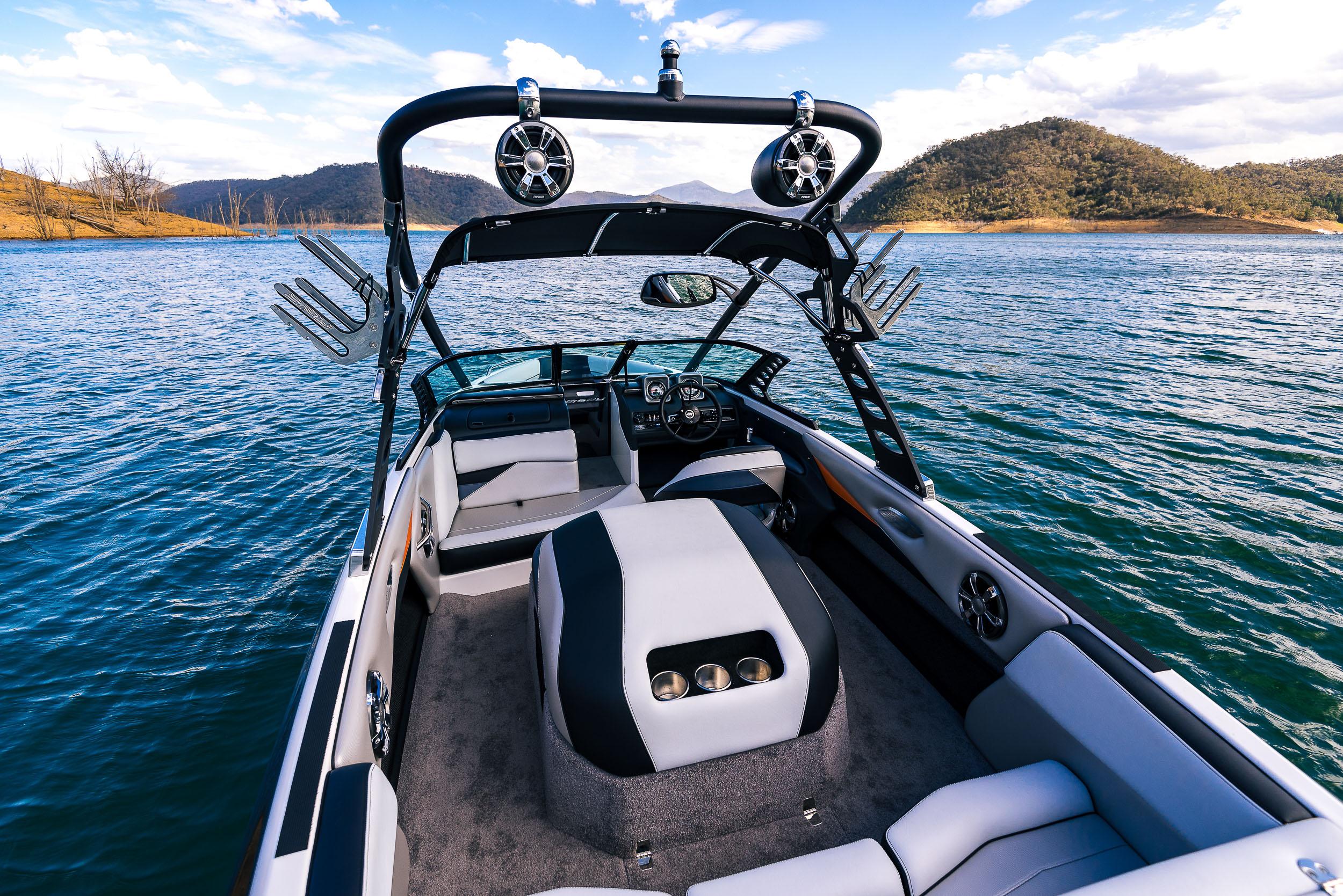 Spy_Boats_XS21-23.jpg